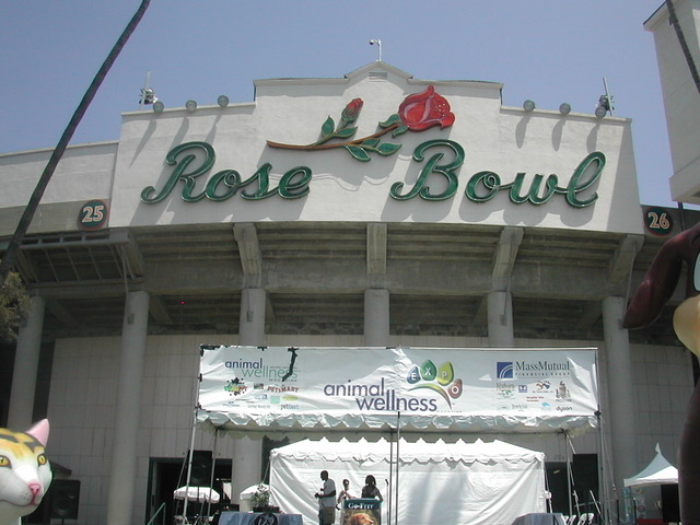 Rob Lerner Photos - Rose Bowl adoption event